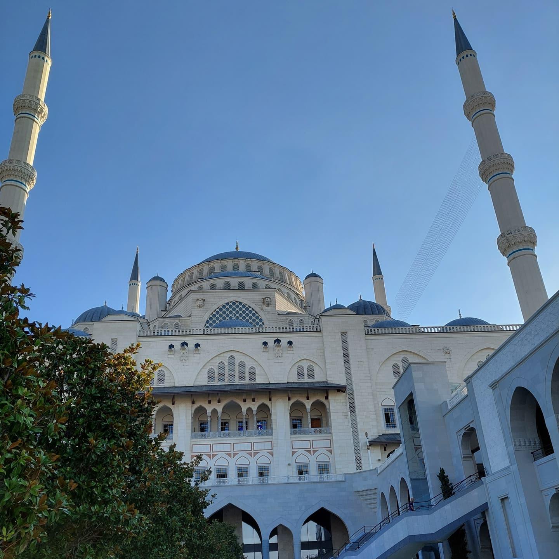 Z wizytą w największym meczecie w Turcji